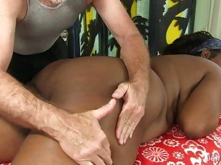 Plump ebony lady heather mason enjoys a hawt rubdown
