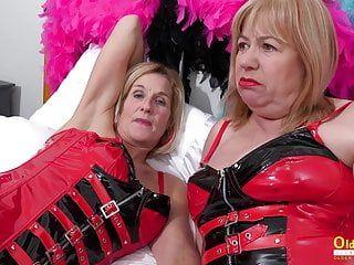 Oldnanny 2 lesbische Lesben spielen sexy Spiele