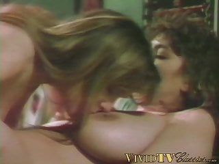Classic vintage lesbo porno with munching of unshaved puss