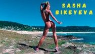 Undressed russian angel sasha bikeyeva dancing on the shore of the ocean 4k