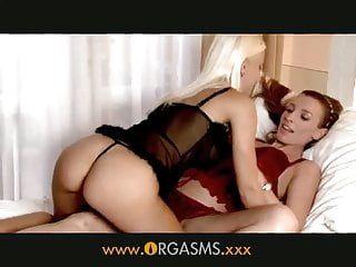 Orgasms - face riding lesbos