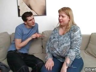 Overweight lady plays with her biggest billibongs