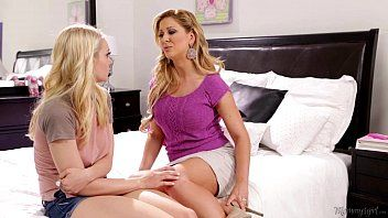 Step-mother cherie deville licking alli raes fur pie