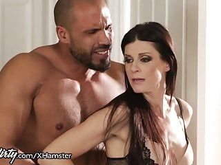 India summer shares daddys dong with step-daughter