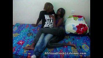Due sexy afro cuties alexis e jasmine wild in un episodio di sesso fatto in casa