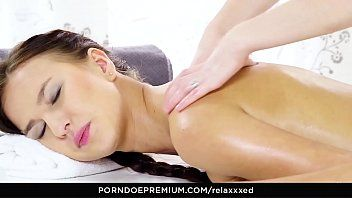 Relaxxxed - lesbo anal fingering and pumping for marvelous honey