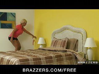 Brazzers - hot lesbo bridgette b bonks her latin babe maid