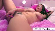 Taylor rubs her large mangos and snatch