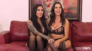 Voluptuous lesbian babes squirt during the time that toying and eating love tunnels in live show