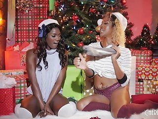 Black lesbos give the gift of banging for the holidays